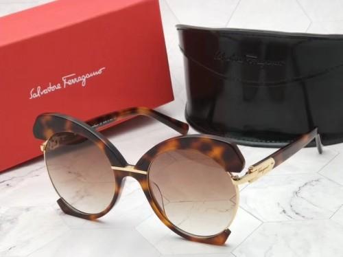 Buy quality Copy Ferragamo SF898S Sunglasses SFE005
