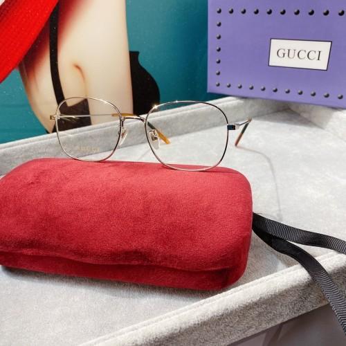 GUCCI Eyeglass GG0681 Eyeware FG1293