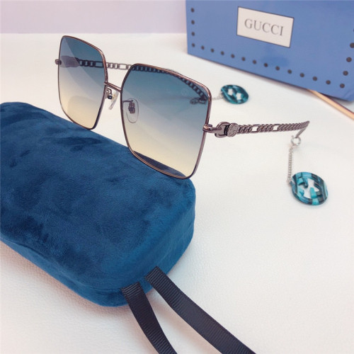 GUCCI Sunglass for Women GG0724S GUCCI Glass with GG Pendant SG686