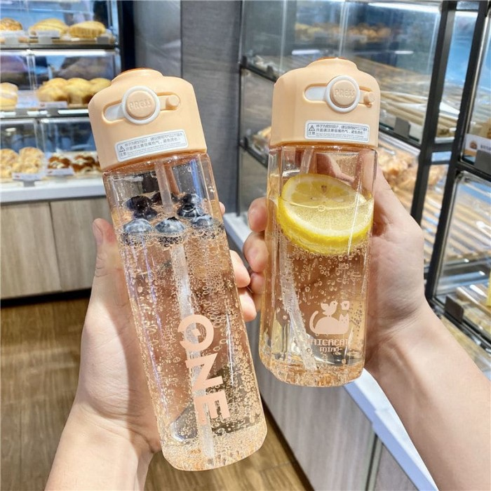 Cute and high-value drop-proof water bottle for pregnant women, students and children with straw cups