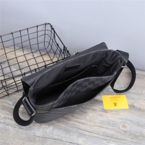 Luxury Designer LV Men's Genuine Leather Shoulder Bag For Men Casual Crossbody Man Handbag Messenger Bag Male Side Bags Guarantee Men's Bags
