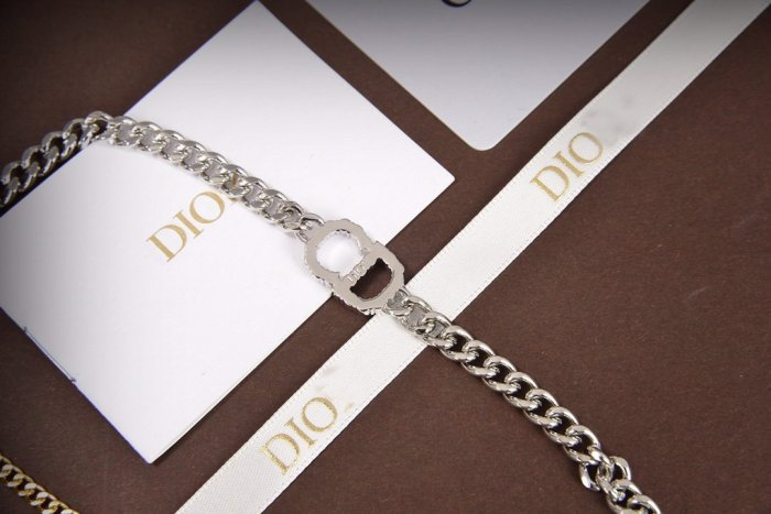 Color block chain bracelet