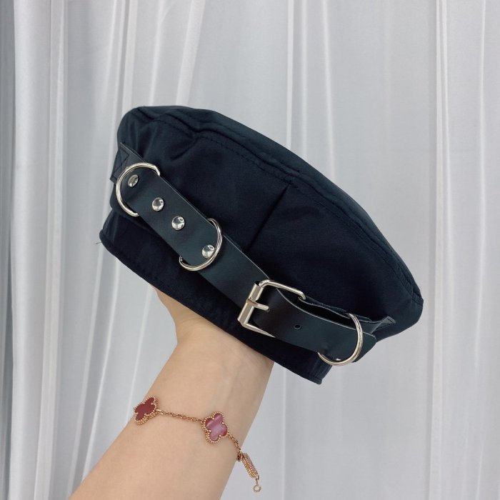 Cool leather buckle beret