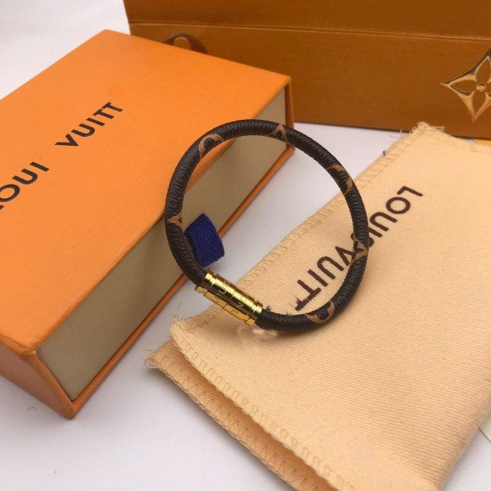 KEEP IT leather magnet clasp bracelet