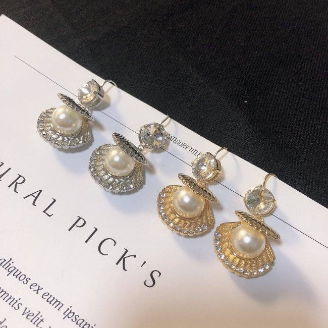 Shell pearls diamond earrings