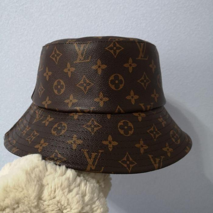 Classic leather bucket hat
