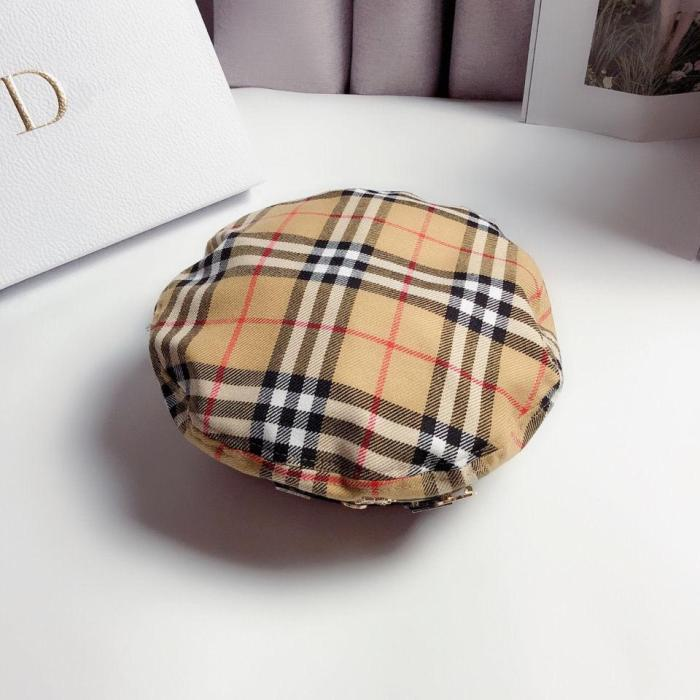 Classic check badge beret hat