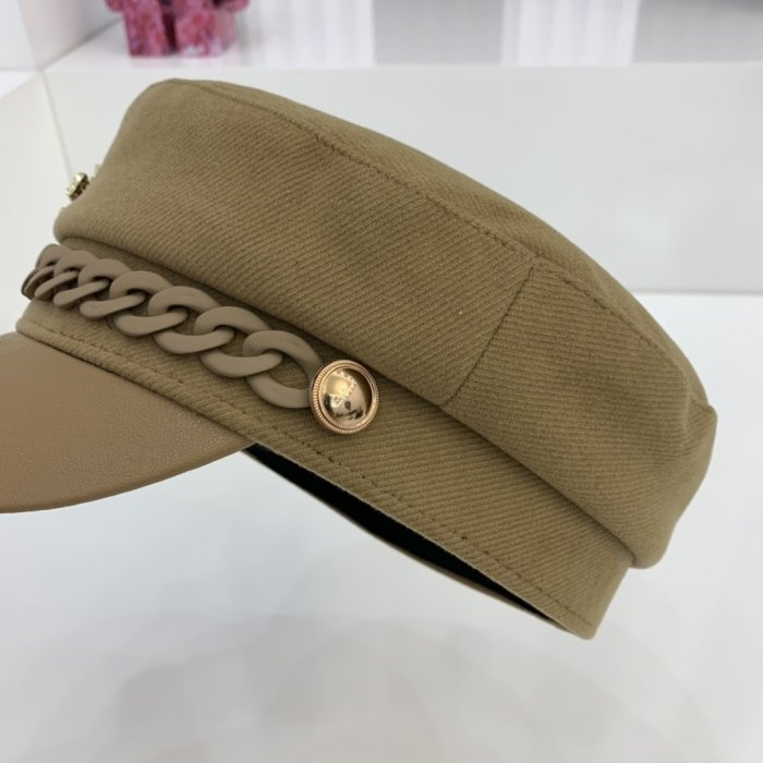 New style clip-edge chain hat