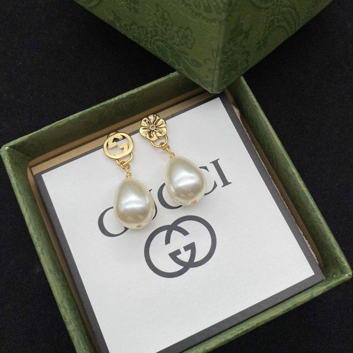 New flower pearl earrings