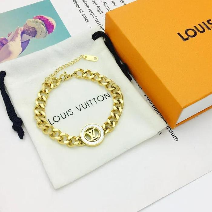 White shell letter bracelet