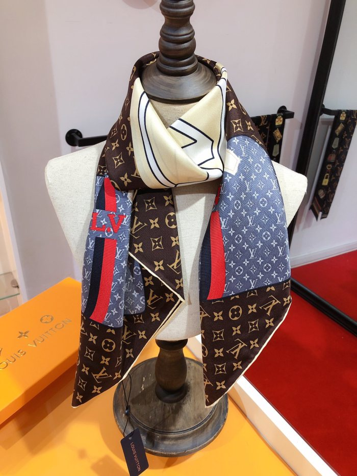 KEEP IT ALL Real Silk Square Scarf