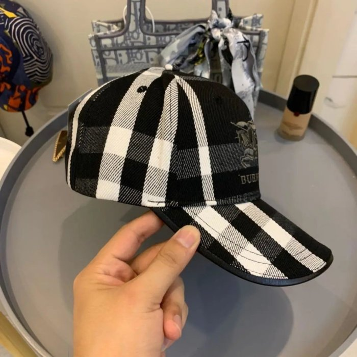 All-match checked embroidery baseball cap