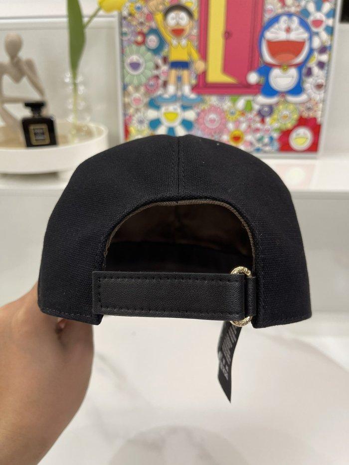 Three-dimensional embroidery baseball cap
