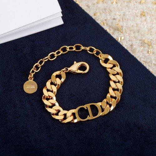 Classic fashion chain bracelet