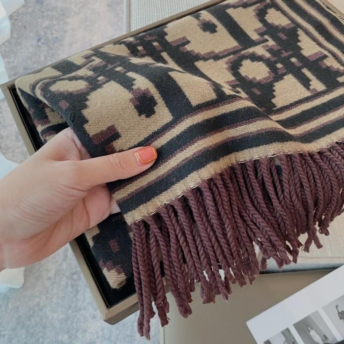 Core-spun Yarn Thickened Fringed Scarf