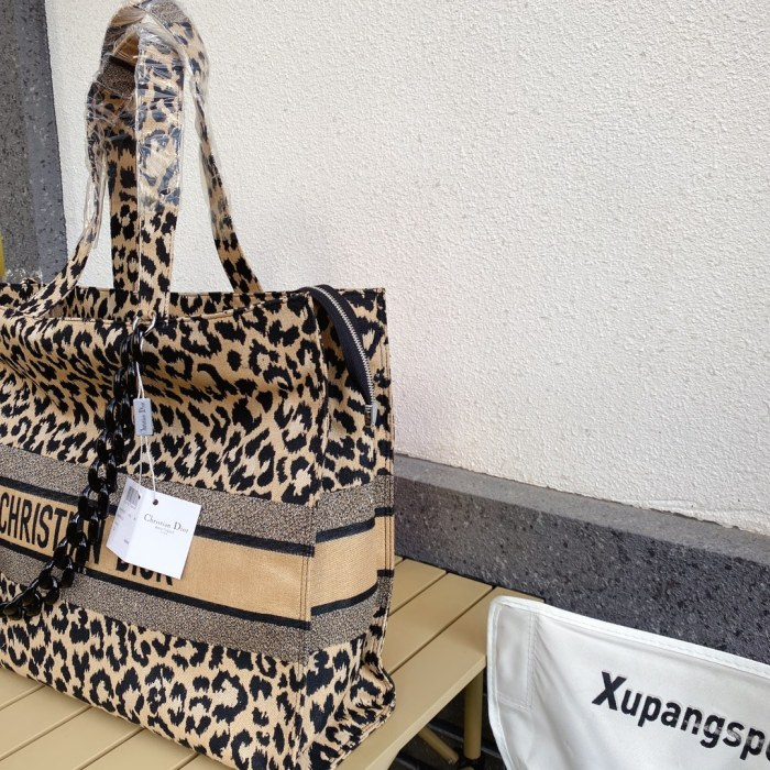 Trendy Leopard Canvas Shopping Bag
