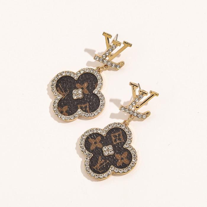 Flower Earrings With Diamonds