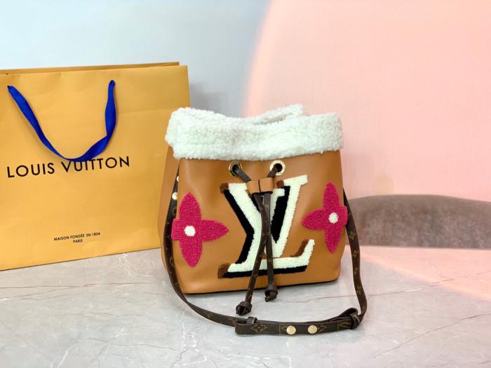 Teddy Series lambswool  Bucket Bag
