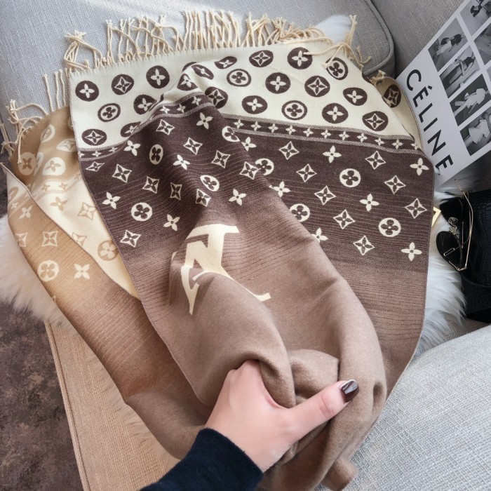 Gradient Fringed Wool Long Scarf