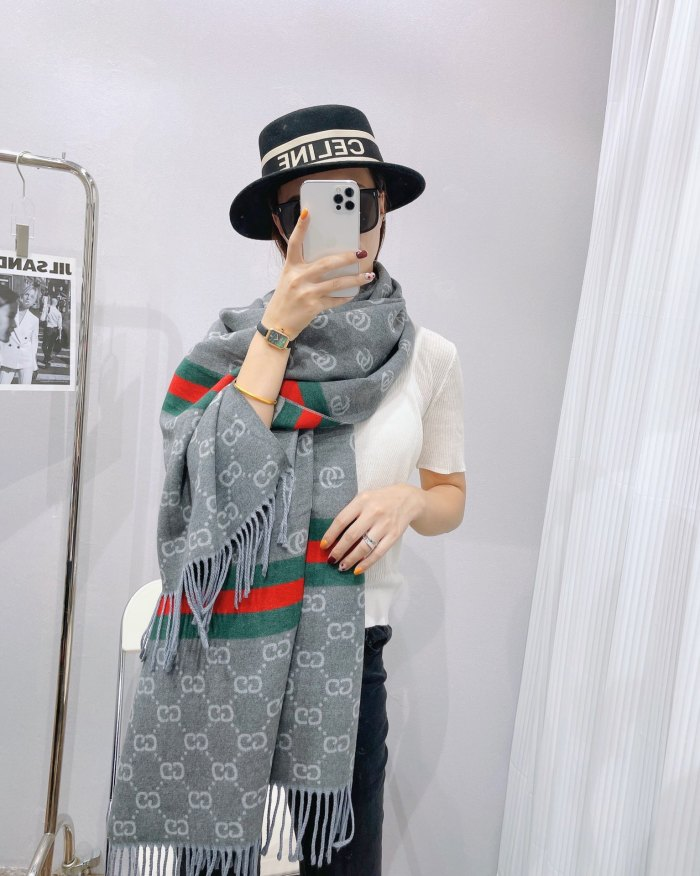 Contrast Striped Jacquard Fringed Scarf