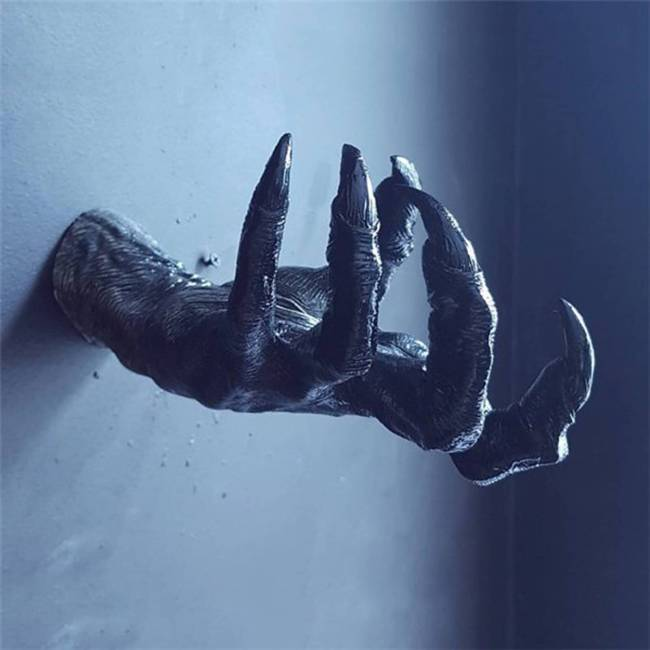 3D Artificial Witch'S Hand Statue Wall Hanging Halloween Decorations