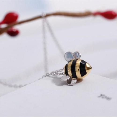 Cute Exquisite Bee Necklace