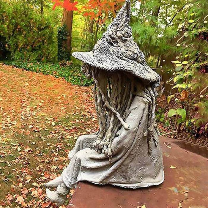 Witch Ghoul Sitting Statue Solar Light Crafts Ornaments Decorations