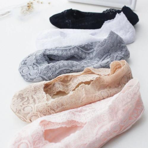 Lace Scalloped Socks