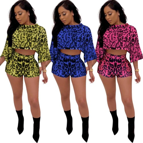 Leopard Long Sleeves Crop Top and Shorts